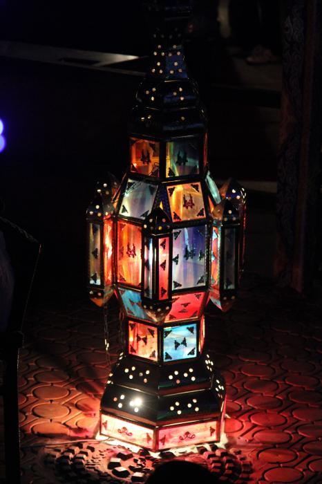 الاســـم:lantern.jpg المشاهدات: 353 الحجـــم:44.7 كيلوبايت